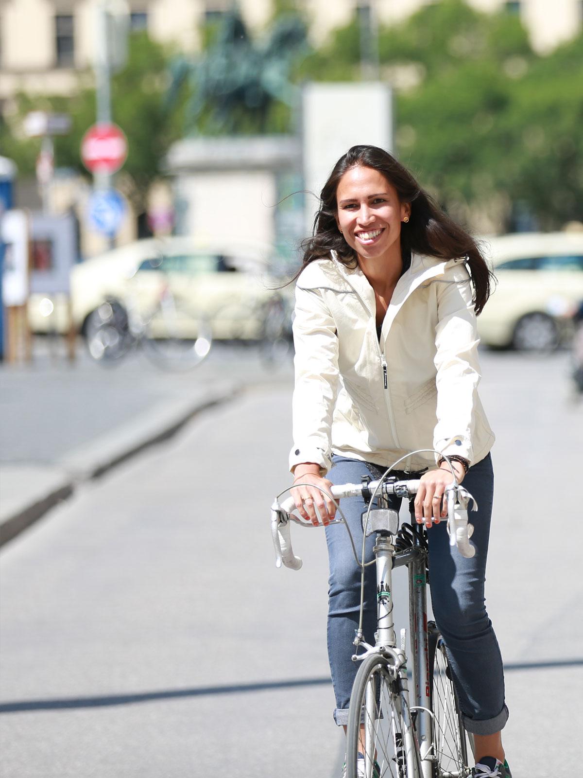 Yasmin wearing the EtaProof Cyclist